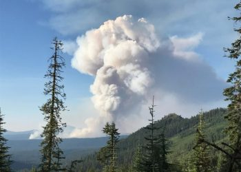 1,400 acre fire in Crater Lake National Park