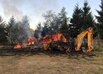 Fire destroys shed near Luscher Farm in Lake Oswego